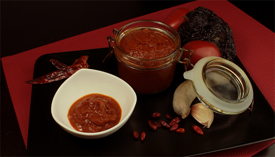 Pomidorowy, słodko ostry sos chilli