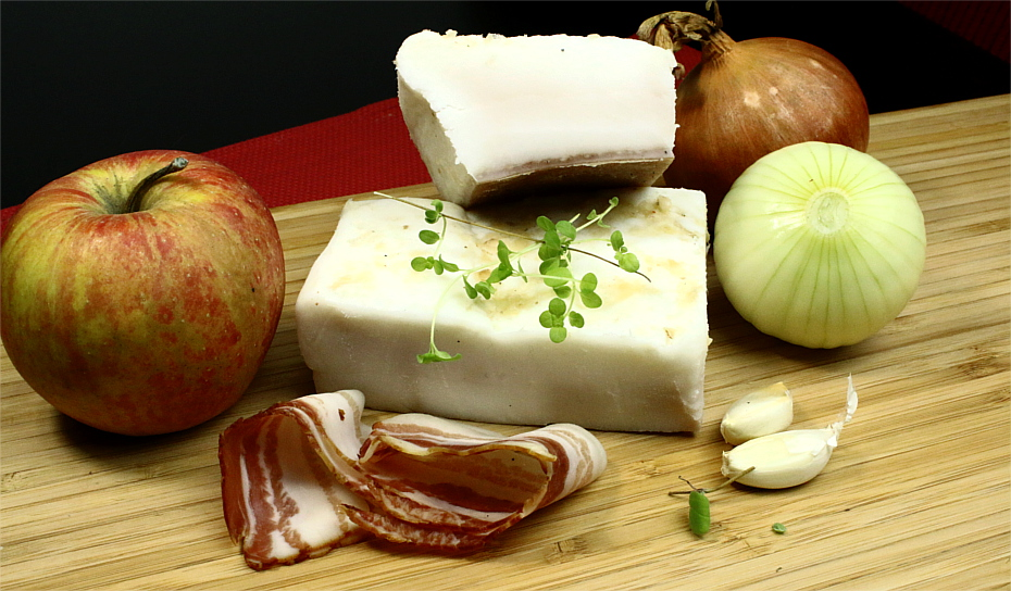 Smalec z cebulą i jabłkami