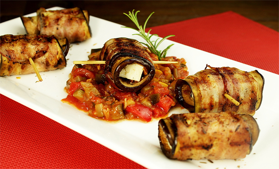 Roladki bakłażanowe w 3 wariantach: dla mięsożernych, wegan i wegetarian